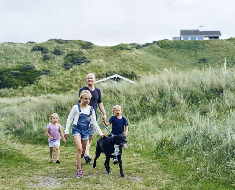 Family with Dog in Kettrup Bjerge
